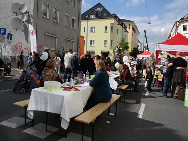 Lange Tafel Ostmannturmviertel auf der August-Bebel-Straße am 17. Mai 2014