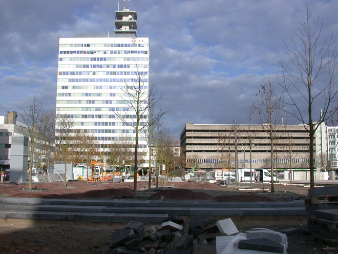 Aus den Büros im Telekom-Hochhaus könnten Wohnungen werden